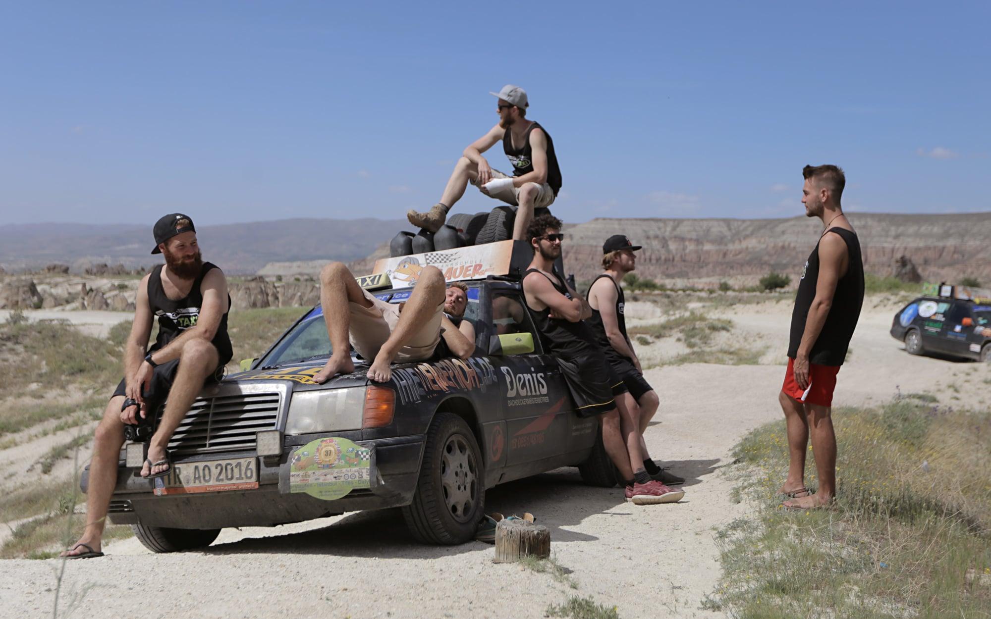 GALERIE18_team-desert-taxi-trier